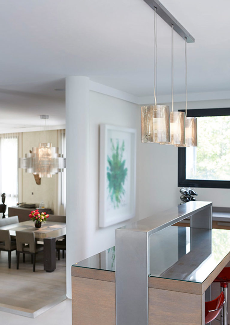 Lighting Ellipse trilogy in kitchen above a bar with galaxy Thierry Vidé Design