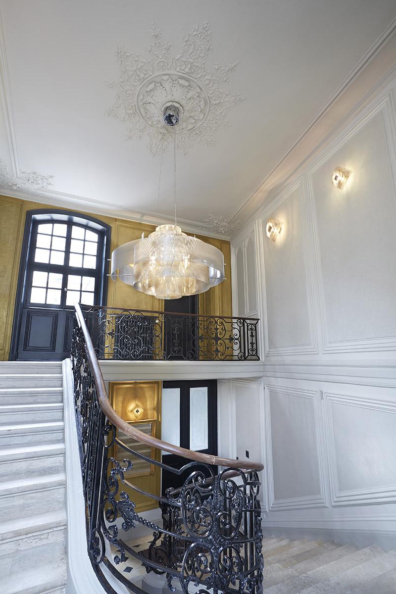 Luminaire Suspension Galaxie Grand Modèle hôtel particulier fond or Thierry Vidé Design