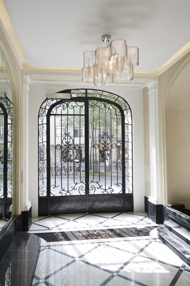 Lighting suspension Cloud medium size entrance building paris Thierry Vidé Design
