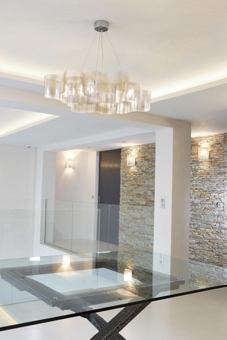Luminaire Suspension Nuage au dessus d'une table Thierry Vidé Design