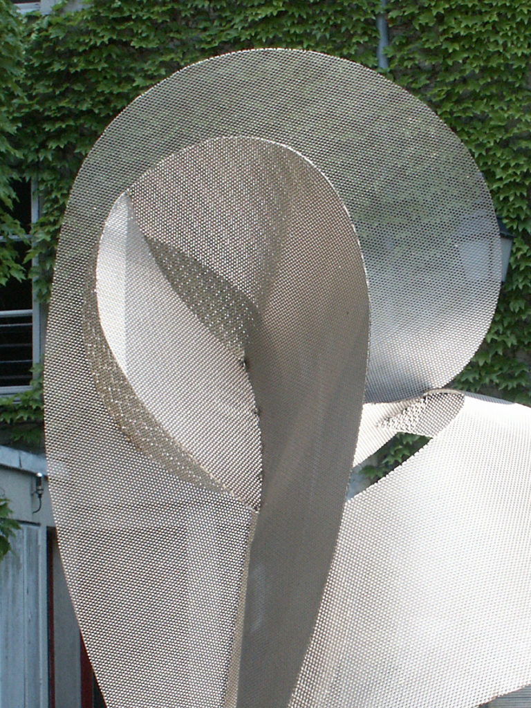 Sculpture circumference zoom exhibition garden Roland Berger Thierry Vidé Design