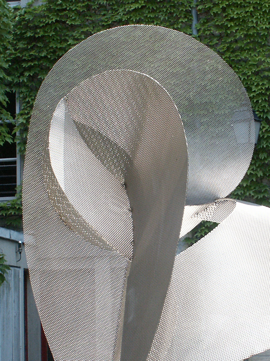 Sculpture circonférence zoom exposition jardin Galerie Roland Berger Thierry Vidé Design