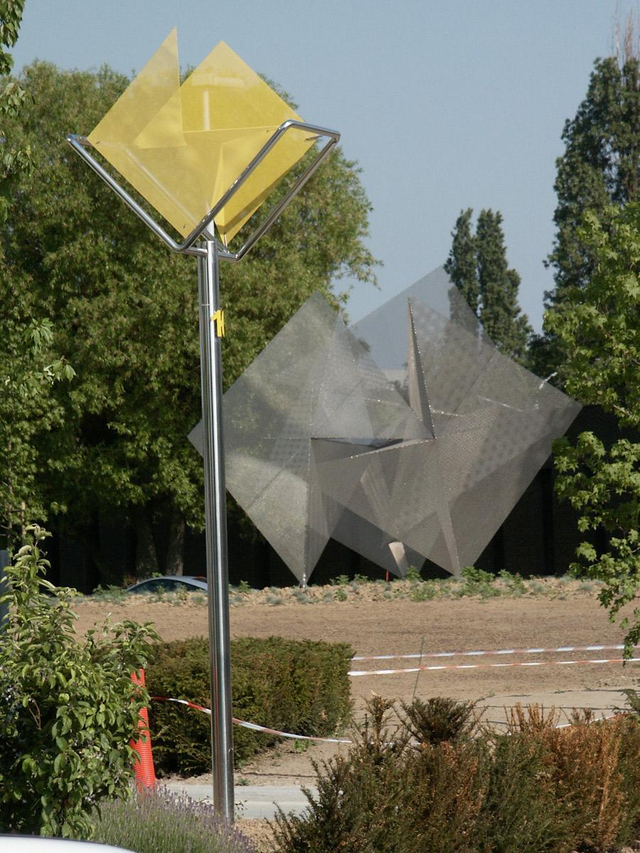 Sculpture Prisme et signal de lumière Bruxelles Thierry Vidé Design
