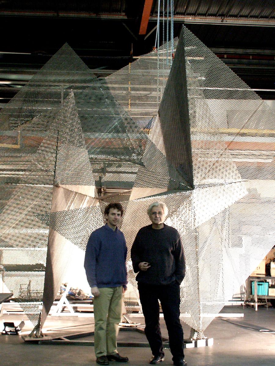 Sculpture Prisme avec Thierry et Jean Sébastien Vidé Thierry Vidé Design