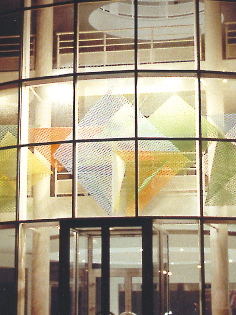 Sculpture zoom headquarters Saint Quentin en Yvelines Thierry Vidé Design