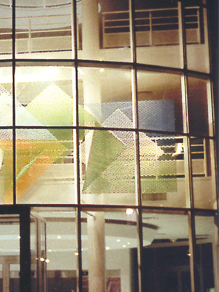 Sculpture zoom right Saint Quentin en Yvelines Thierry Vidé Design