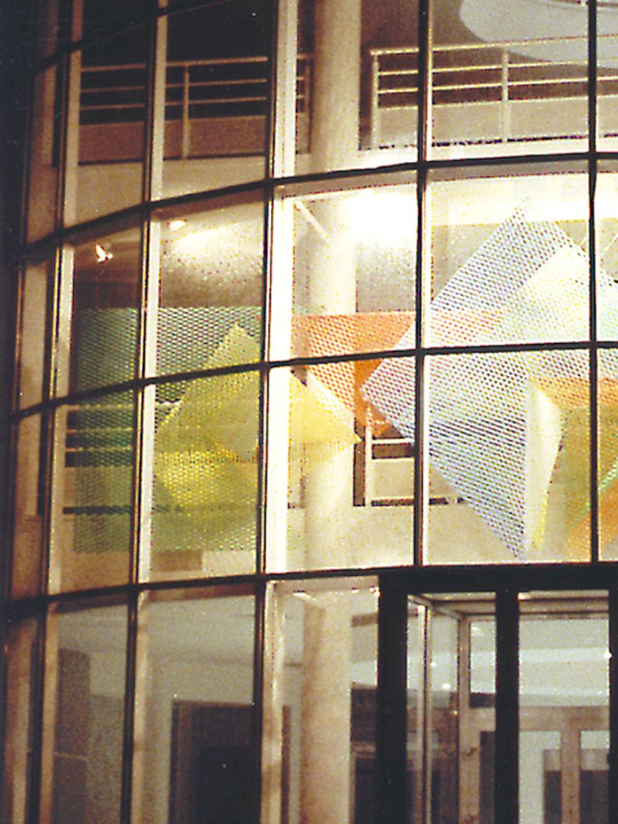 Sculpture zoom gauche Saint Quentin en Yvelines Thierry Vidé Design