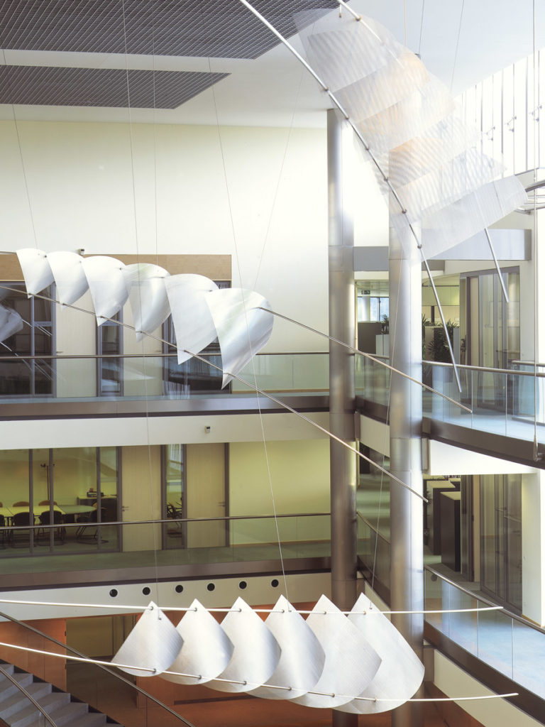 Sculpture UCB Bruxelles headquarters focus Thierry Vidé Design